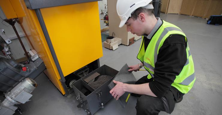 La importancia de un correcto mantenimiento de nuestras calderas de biomasa